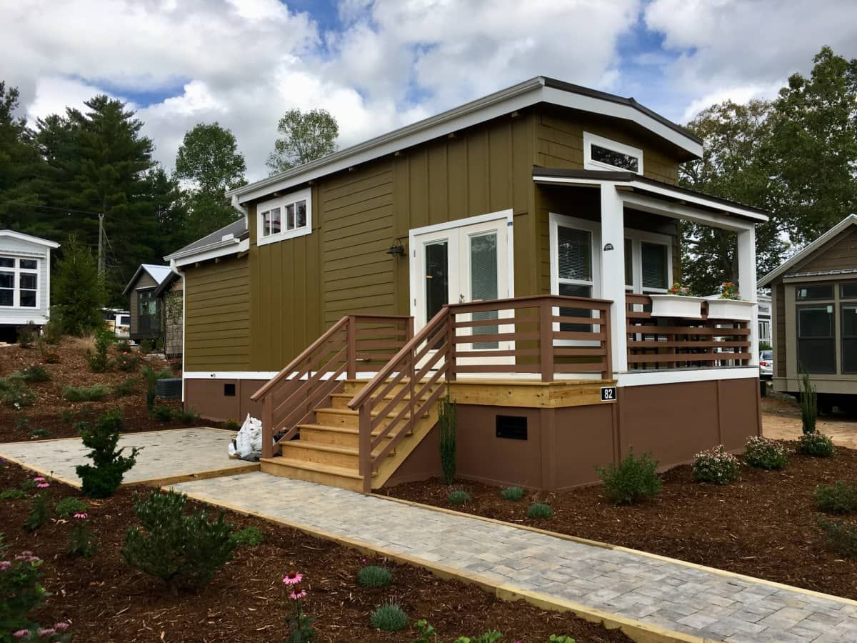 Brand New 1 Bedroom Tiny Home With Driveway And Tiny Houses For Sale Tiny House House