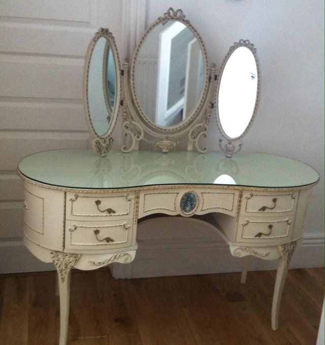 French Louis Kidney Shaped Dressing Table Amp Triple Mirror