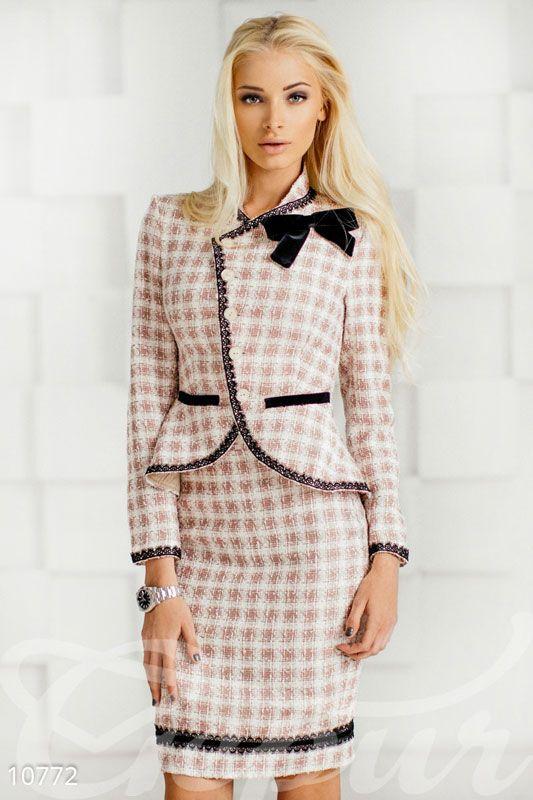 5f6008a9347 Симпатичный костюм. Пиджак+юбка в 2019 г.