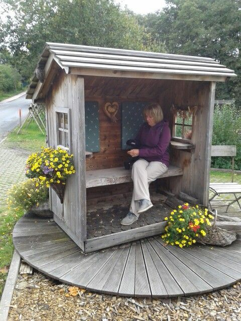 Schon Einen Sitzplatz Im Garten Zu Machen Gartentore Feuerstelle Garten Gartengebaude Garten