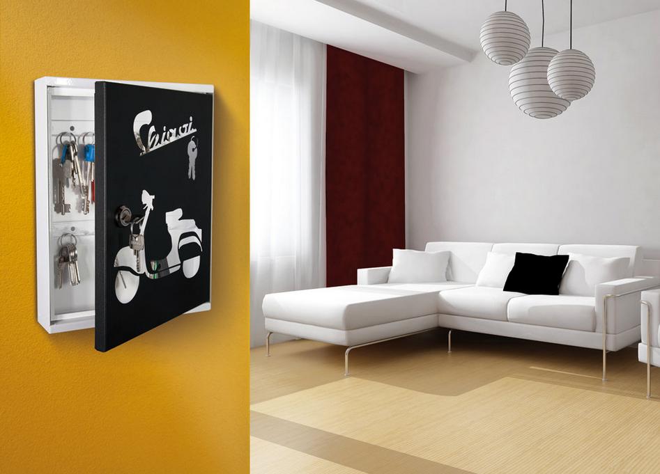 Una bacheca porta chiavi moderna con 16 ganci casa for Arredo casa moderna catalogo