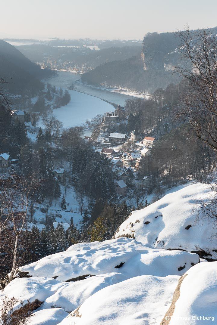 Winterlicher Blick auf den Kurort Rathen.