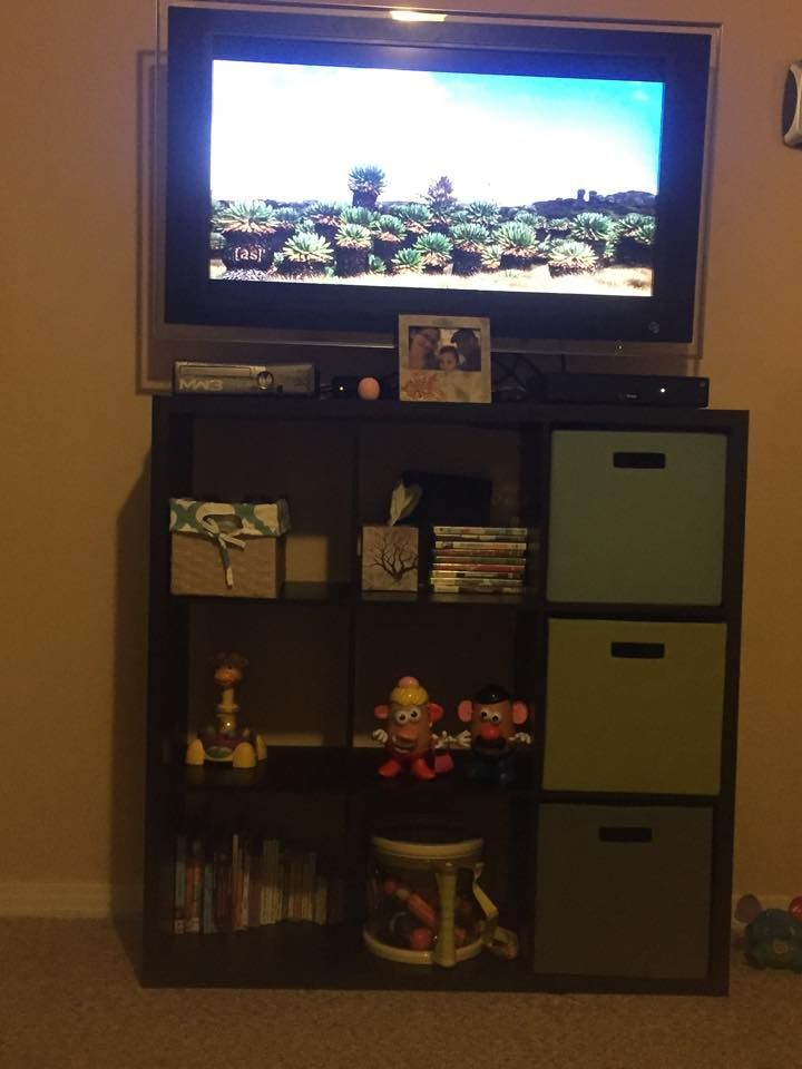 Using A 9 Cubby Hole Unit As Tv Stand