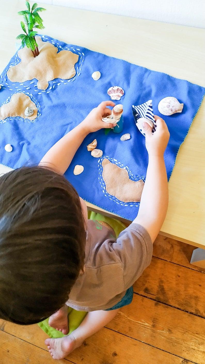 Photo of Juego de tapetes de fieltro hechos a mano Waldorf – Mermaid Island | paisaje de juego hecho a mano | Juguetes de fantasía | Juego para niños pequeños