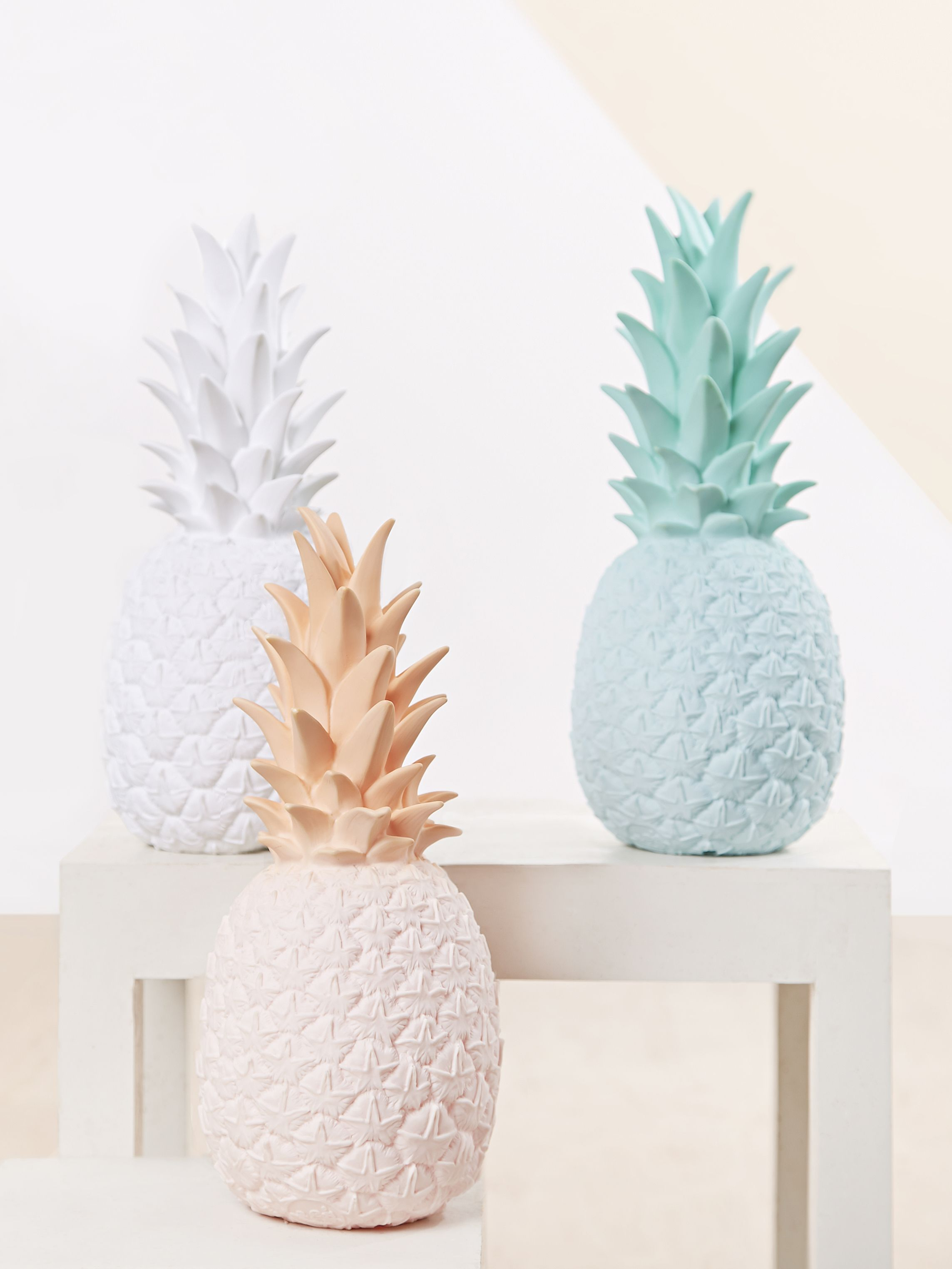 Lampes d co en forme d 39 ananas couleur pastel id es for Objet de decoration