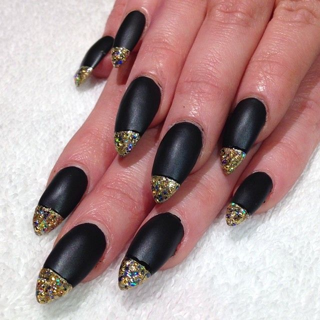 Matte black claws with gold glitter bullet tips nailart matte black claws with gold glitter bullet tips nailart nailswag heynicenails prinsesfo Image collections