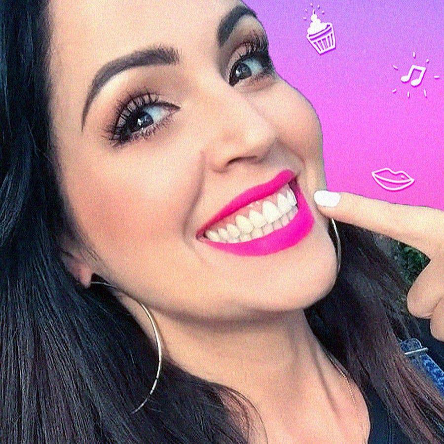 Sandra Cires Art Una Youtuber Cubana Muy Feliz Suscribete Y Nunca