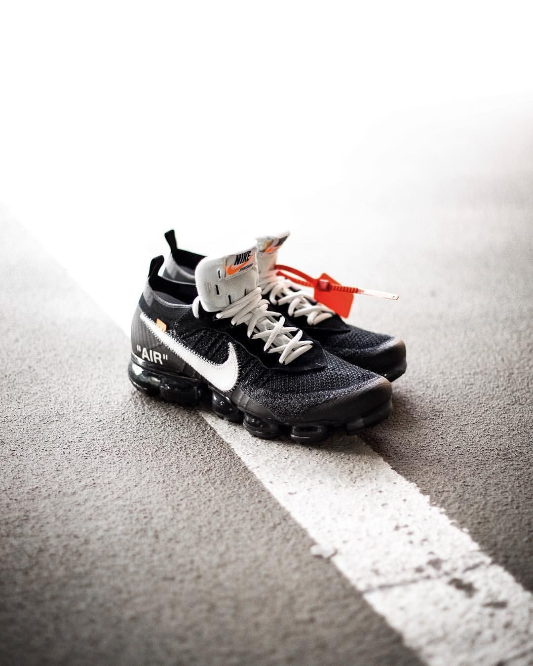 huge discount 52779 97725 OFF-WHITE x Nike Air Vapormax Flyknit. OFF-WHITE x Nike Air Vapormax  Flyknit Curvy Petite Fashion, Running Shoes ...