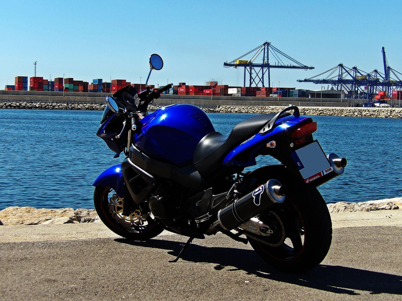 Honda CB1100X Eleven - CycleChaos