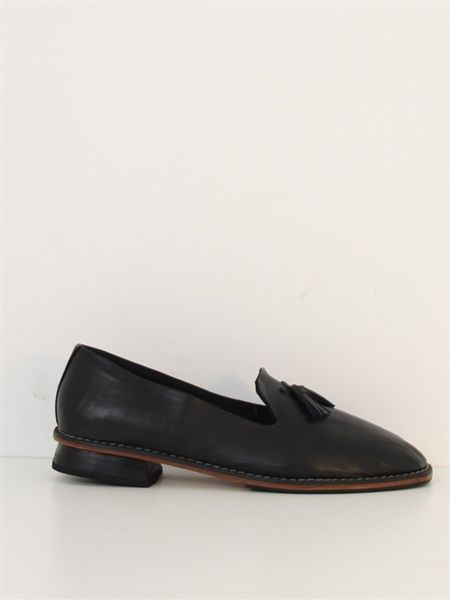 Leather brogue style slip on shoe with feature tassel. Heel 2.5cm. #NicheFashion