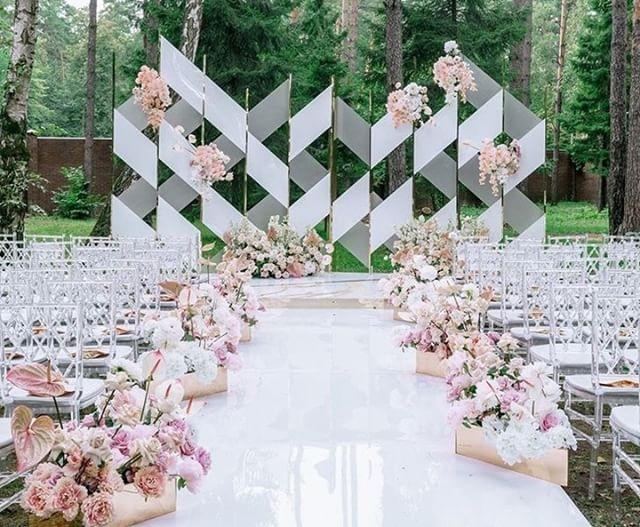 Stunning Wedding Ceremony Backdrop Flowers Decor By Lattedecor