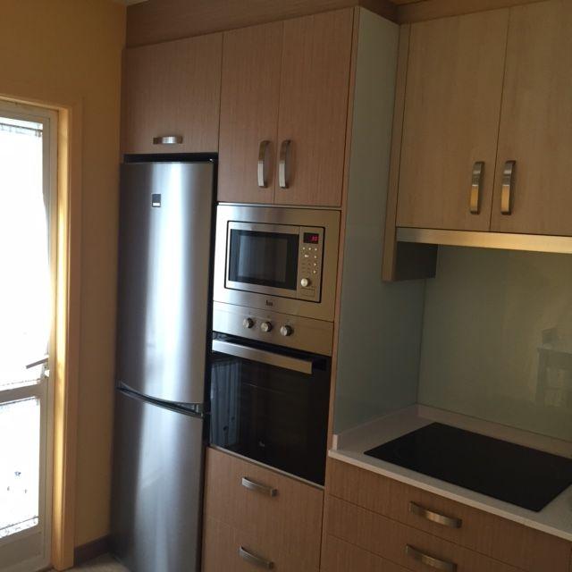 Zona columnas frigor fico y columna de horno y microondas - Mueble para microondas ...