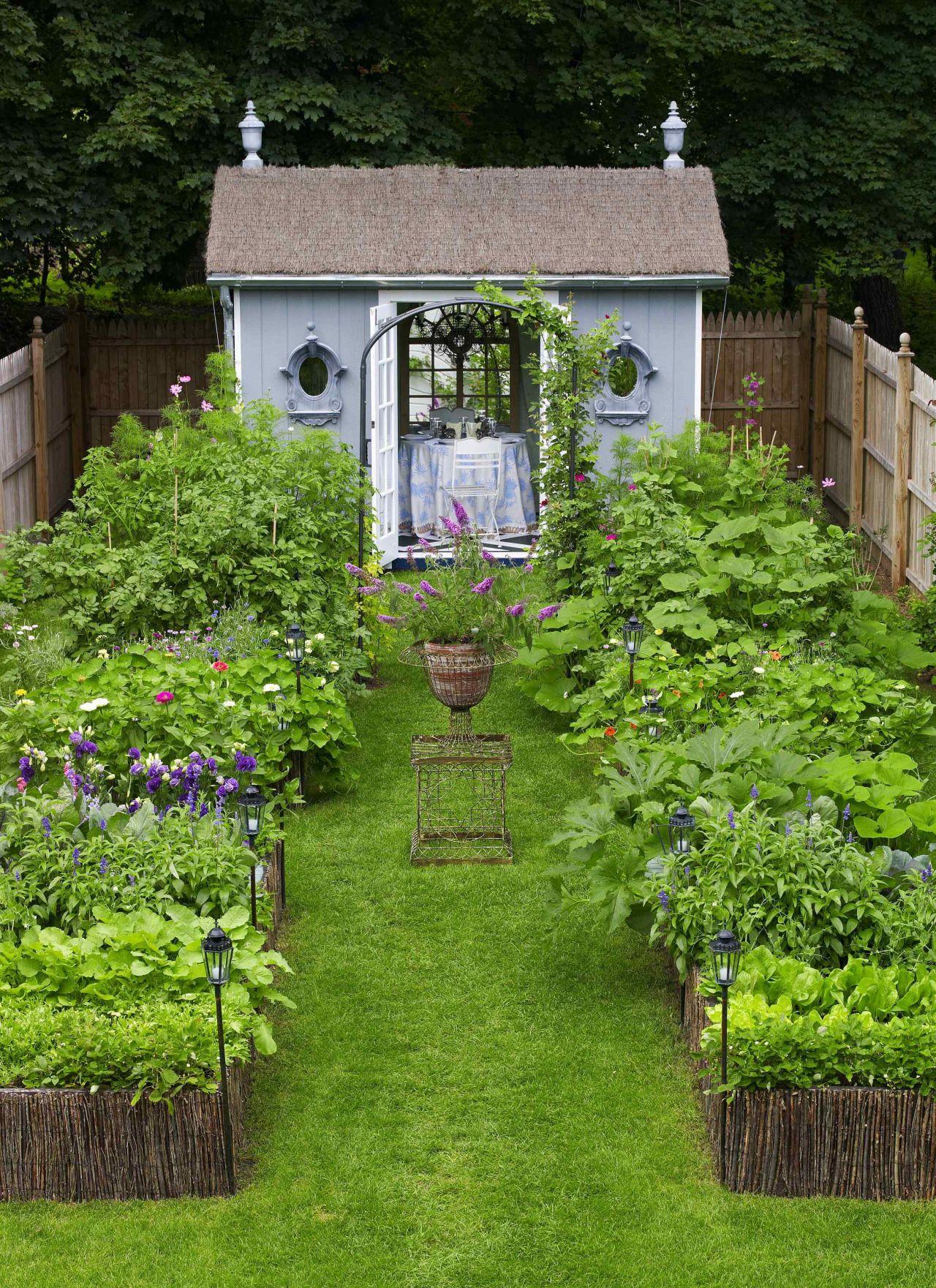 "#HYPERREALCG  ""classic garden scene"" Artist: angelofretribution Software: Vue Render time: 18 hours"
