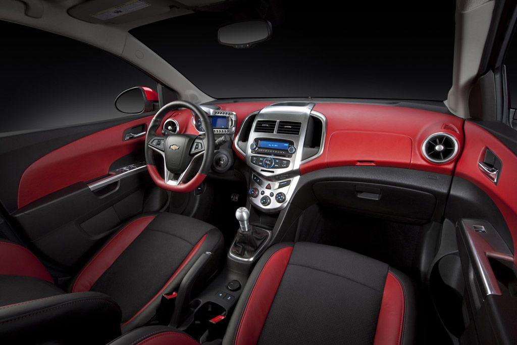 Red And Black Chevy Cruze Interior Chevy Cruze Chevy Cruze Accessories Chevrolet Sonic