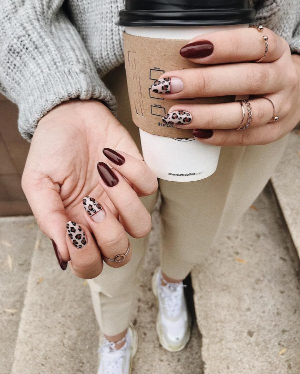 Diseños de uñas para ser la más madura de la Uni
