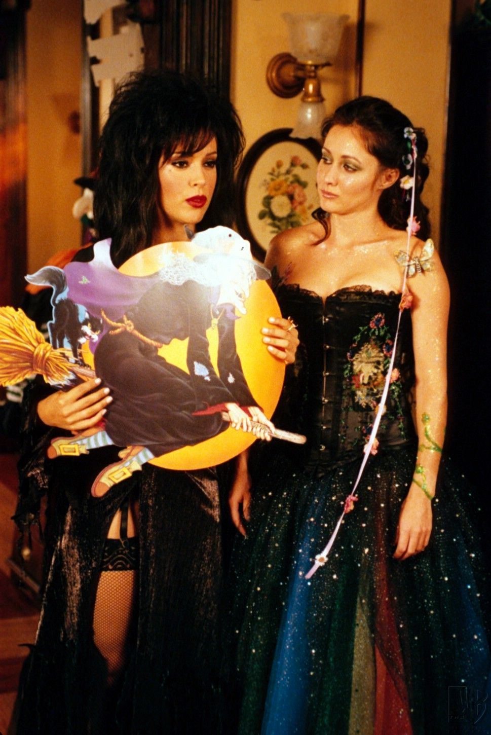 All Halliwell's Eve | Costumes, TVs and Movie