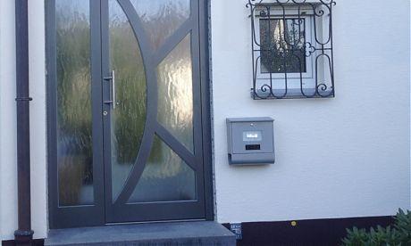 Türen Bielefeld aluminium glastür graute mit verschweißten sprossen in edler optik