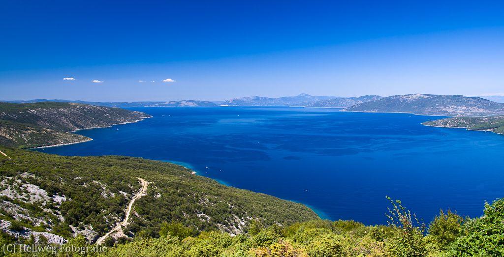 Ostrov Cres, Chorvátsko: Jeden z najväčších ostrovov Jadranu… Tajomné rokliny, útesy, nádherné pláže, rozmanitá prírodná scenéria a priezračne čisté azúrové more.
