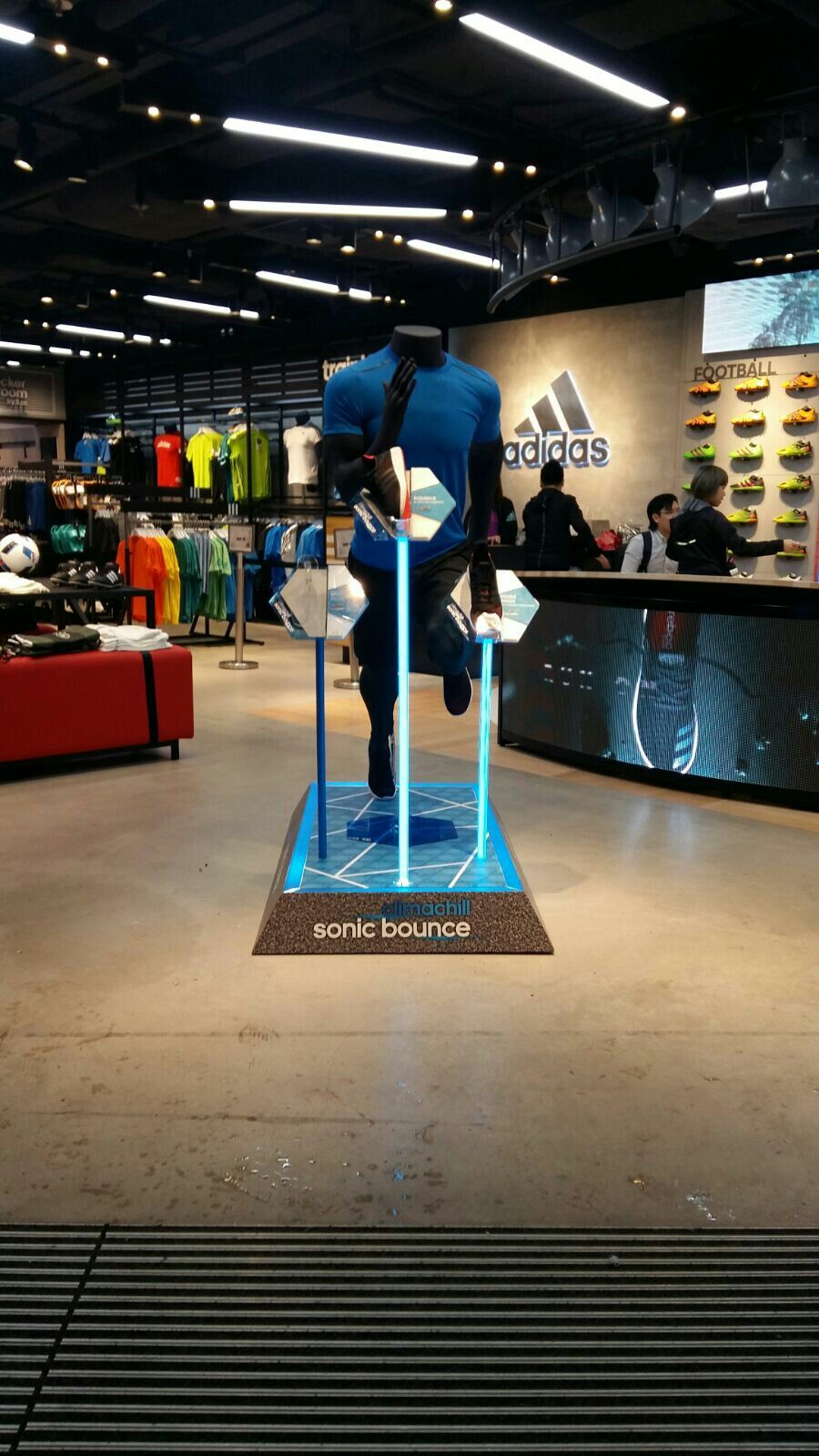Adidas CC Sonics Bounce May16 HK Store design boutique