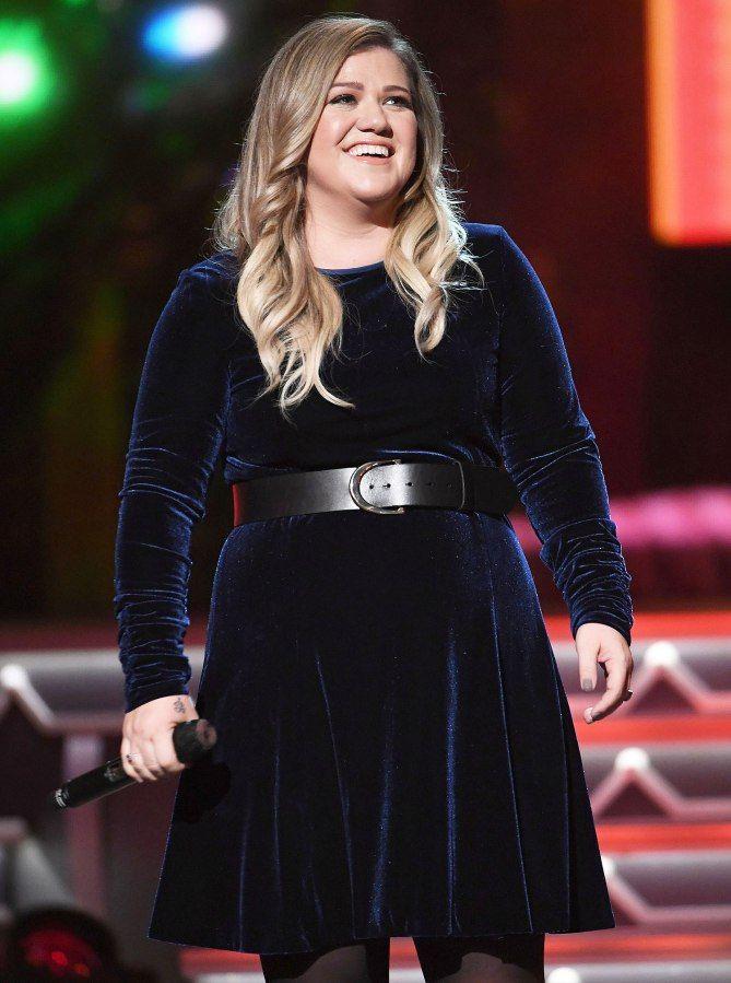 Star Tracks: Wednesday, November 9, 2016 in 2018 | Kelly Clarkson ...