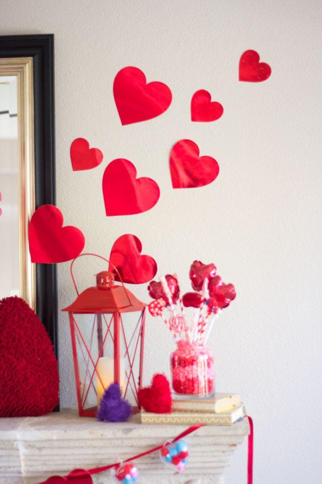 Heart Filled Valentine S Day Mantel Diy Roses Valentine Fun Valentines