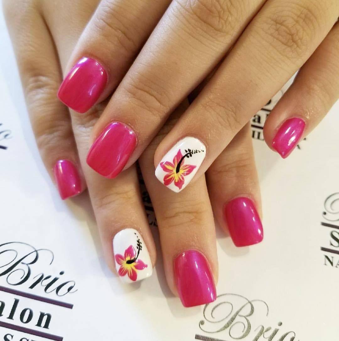Brio Spa floralnails hawaiianflowers hibiscus