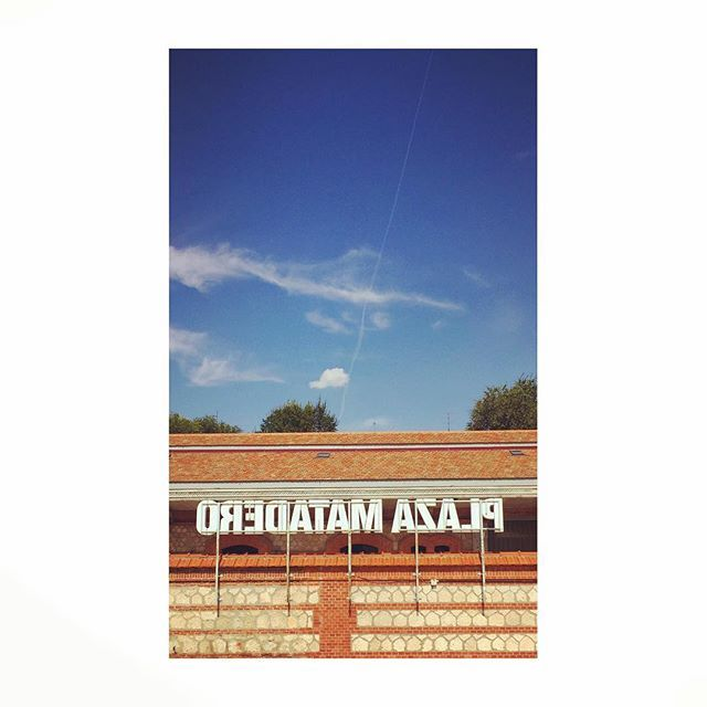 #matadero #madrid #spain #plazamatadero #rotulo #label #sky #cielo #blue #azul #letter