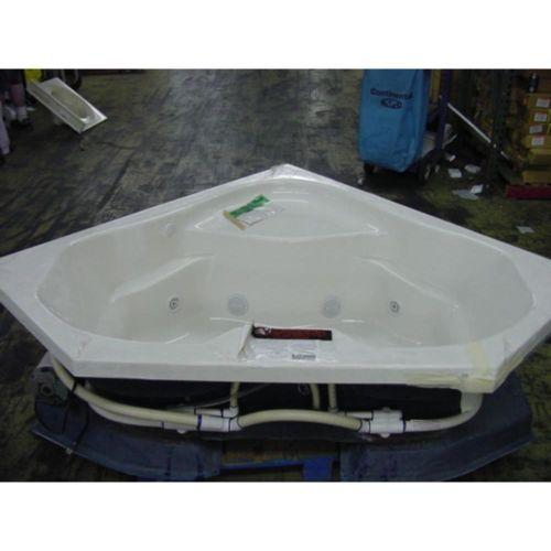 MAAX AKER CT6060BWS-WHI WHITE 8 JET WHIRLPOOL CORNER BATHTUB