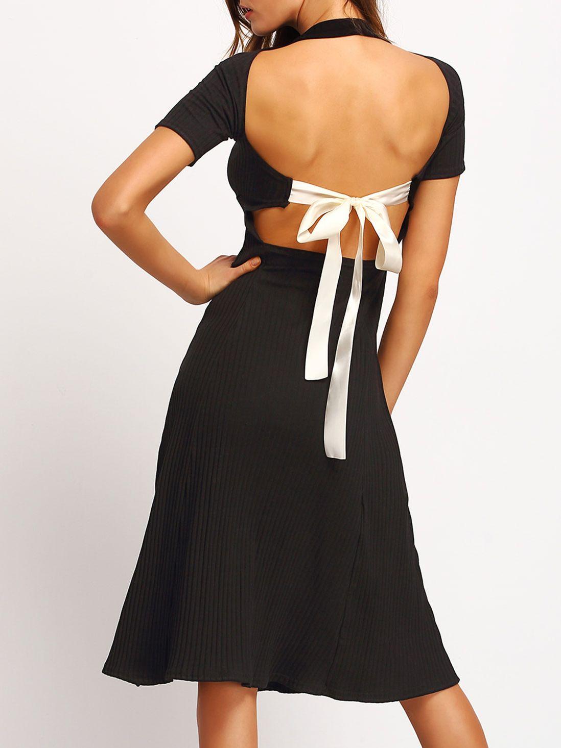 Kurzarm Kleid rückenfrei mit geripptem Muster und Schleife am
