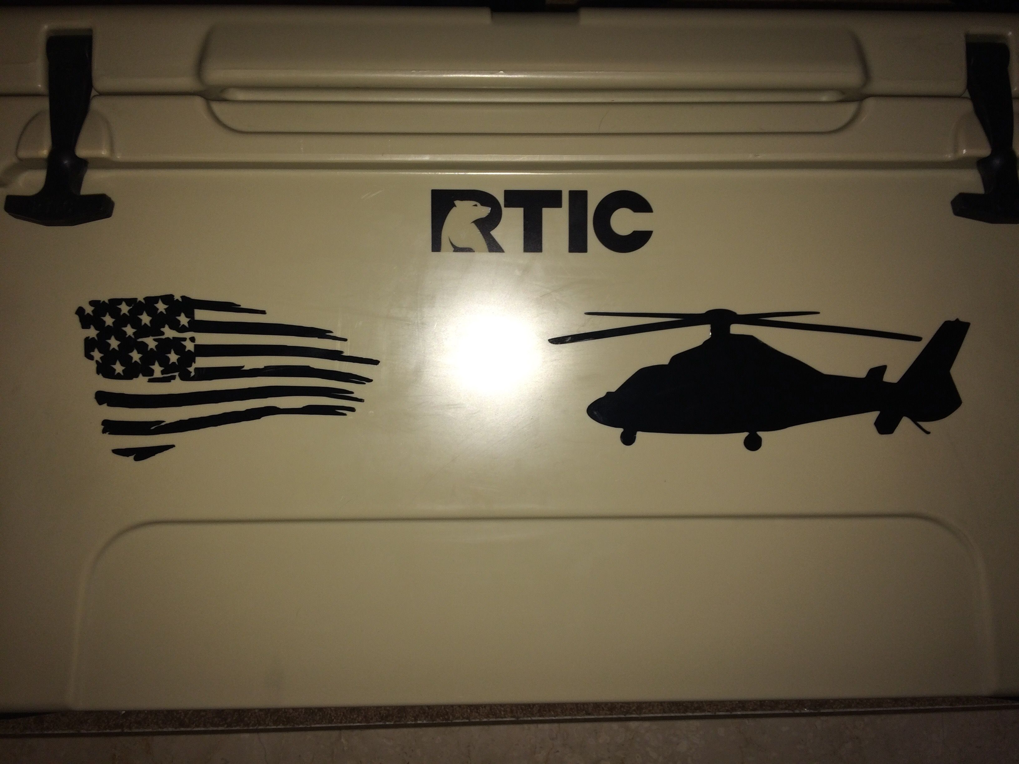American Flag And Helicopter Vinyl Decals Made With Cricut Explore - How to make vinyl decals with cricut explore air