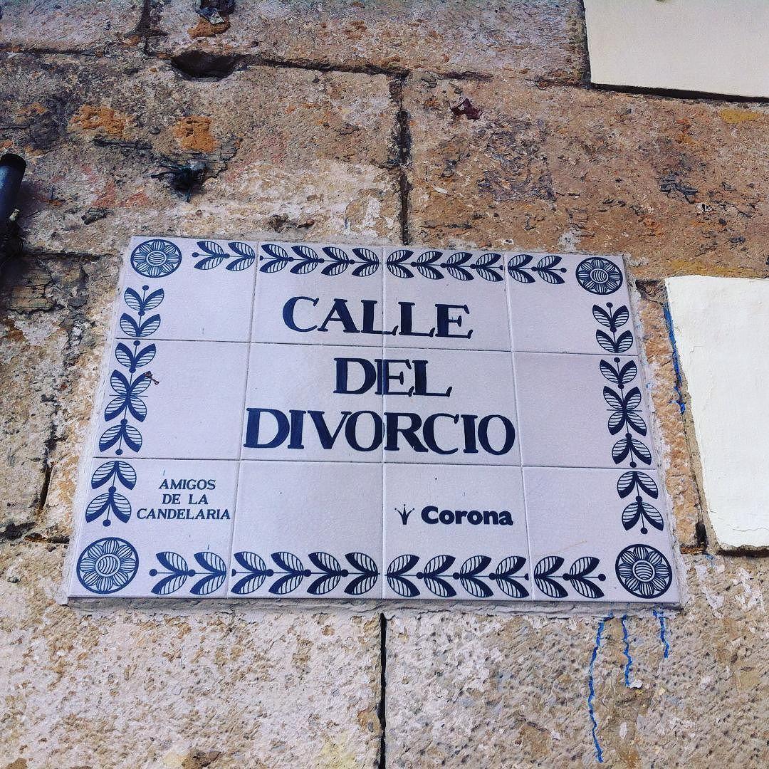 #awkward . #happydays #bepositive #streetsign #street #sinage #stone #city #streetname #bogota #colombia #name #calle #nombre #ciudad #calledeldivorcio #divorcestreet #latinamerica #lacandelaria #corona #ceramic #tile by chloeloficial