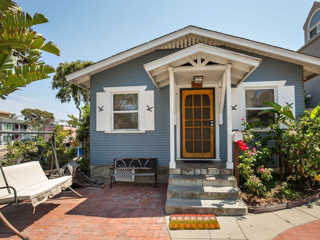 The 9 Best Seaside Cottages for Rent in Rhode Island