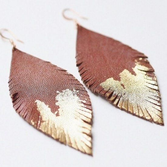 Channel your inner boho Earth child with these completely customizable leather feather earrings.  Perfect for sunny days & music festivals!
