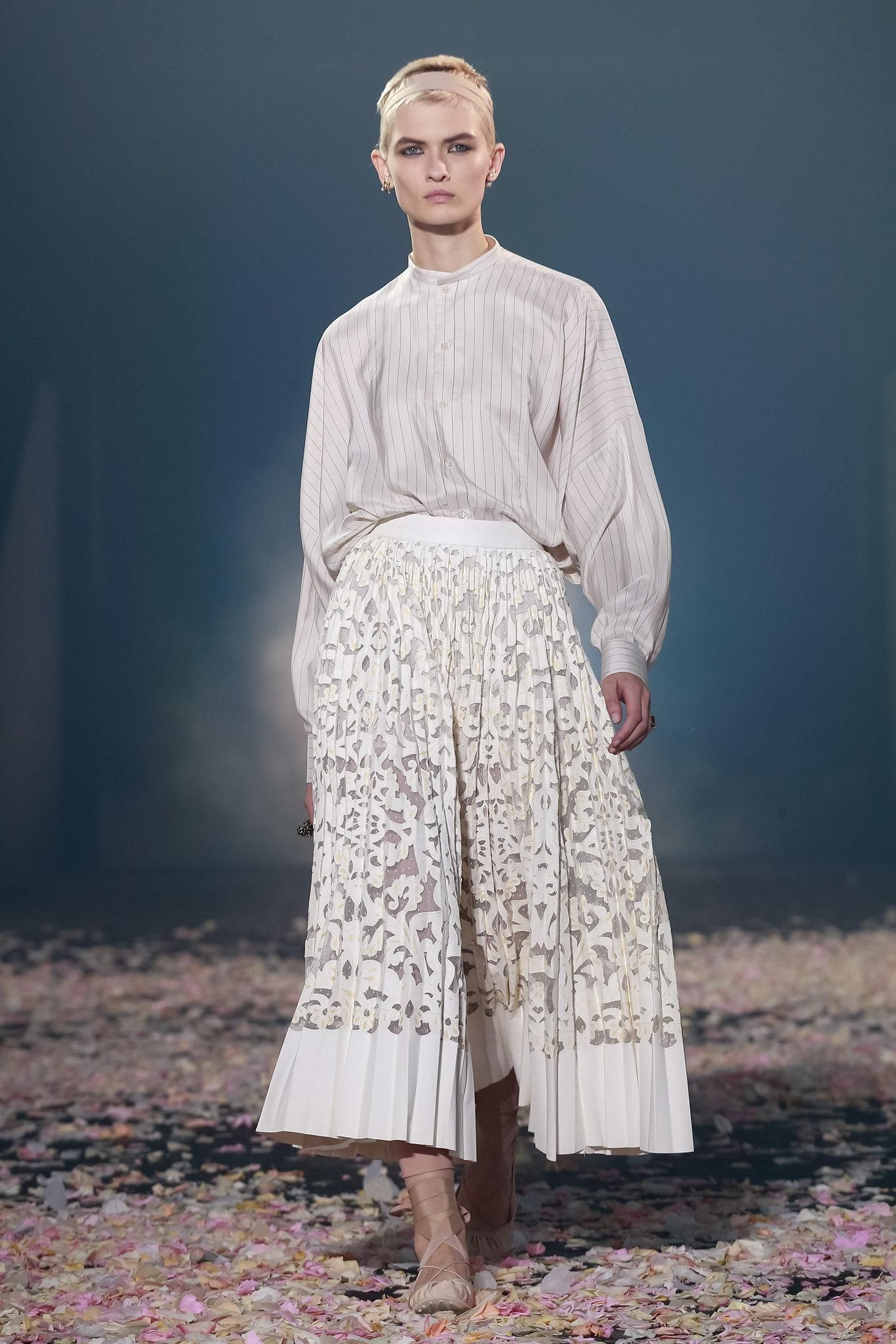 dbd12dace2dcd0 Dior: Spring 2019 - The New York Times | Vee W | Spring, Spring ...