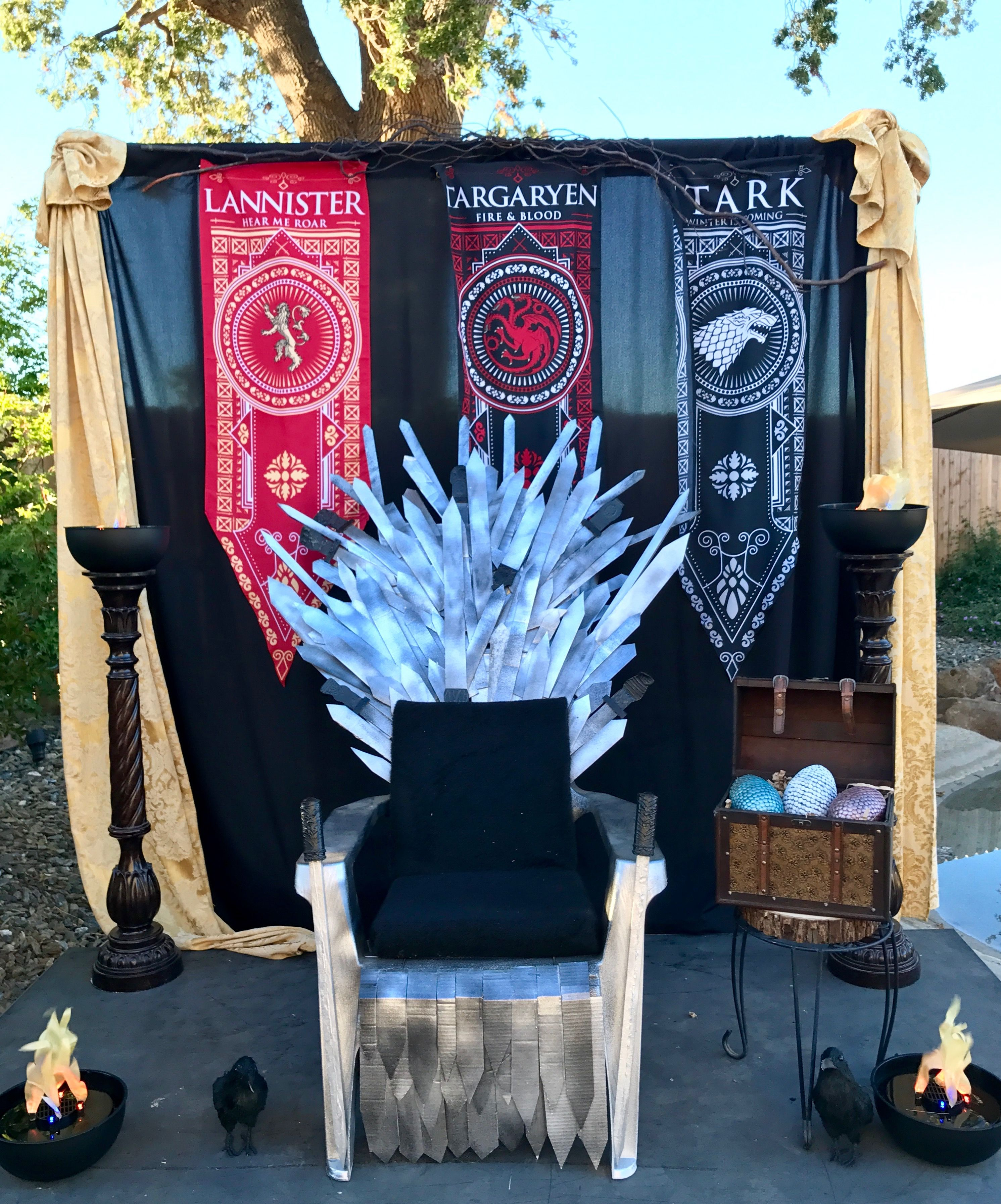 game of thrones office chair marcel breuer cesca replacement cane seat party backdrop decor festa games