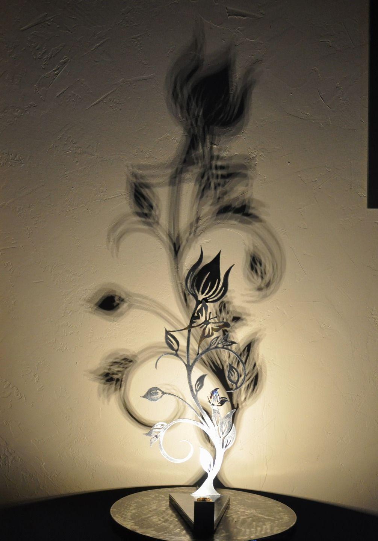 Lampe Fleur En Metal Entre Ombre Et Lumiere