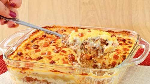 Saiba como fazer uma lasanha à bolonhesa com massa de pastel
