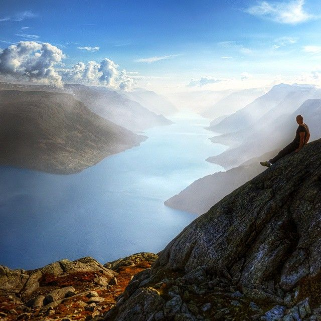 @overlandscape Enjoying the view of the Sørfjord and toward Ullensvang and Odda from mt. Oksen.(1241m/4072ft). Norway
