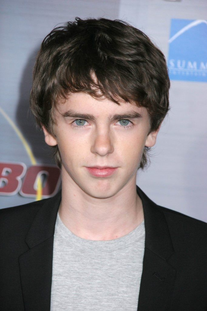 Abigail Breslin and Freddie Highmore s Rumored to be Dating