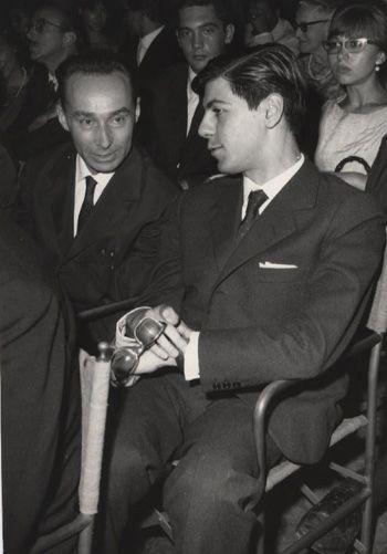 """1963 - Primo Levi e un giovanissimo Ernesto Ferrero al Premio Campiello, dove vince """"La Tregua""""."""