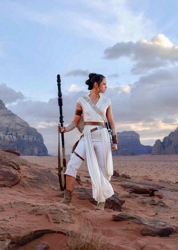 Rey Skywalker From The Rise Of Skywalker In 2020 Rey Star Wars Star Wars Fandom Star Wars Images