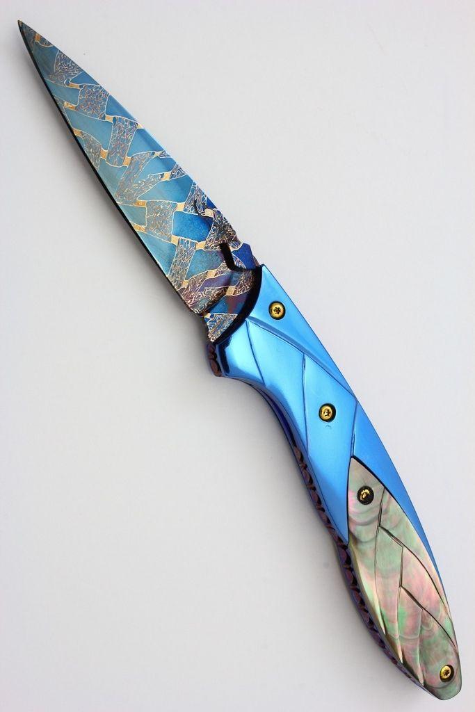 Suchat Jangtanong (Suchat Custom Knives) Damascus & Pearl Folder