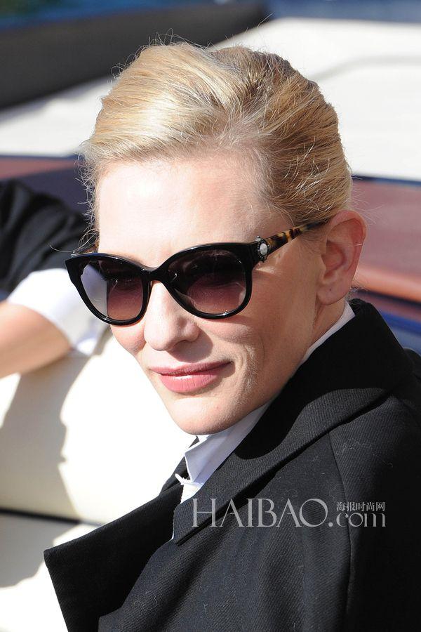 当地时间5月18日,Cate Blanchett与Emily Blunt以及周迅戛纳电影节期间为万国手表拍摄大片,三位气质星星拼帅气比型格,谁更胜一筹呢?