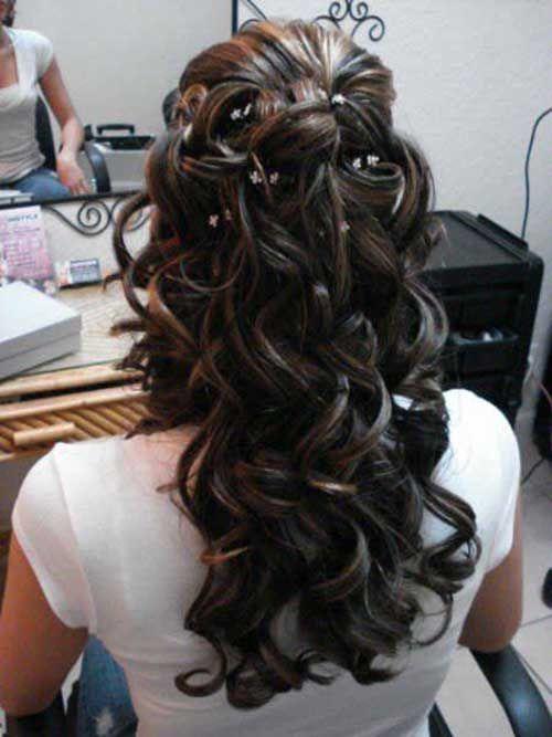 29.Wedding coiffure pour cheveux bouclés