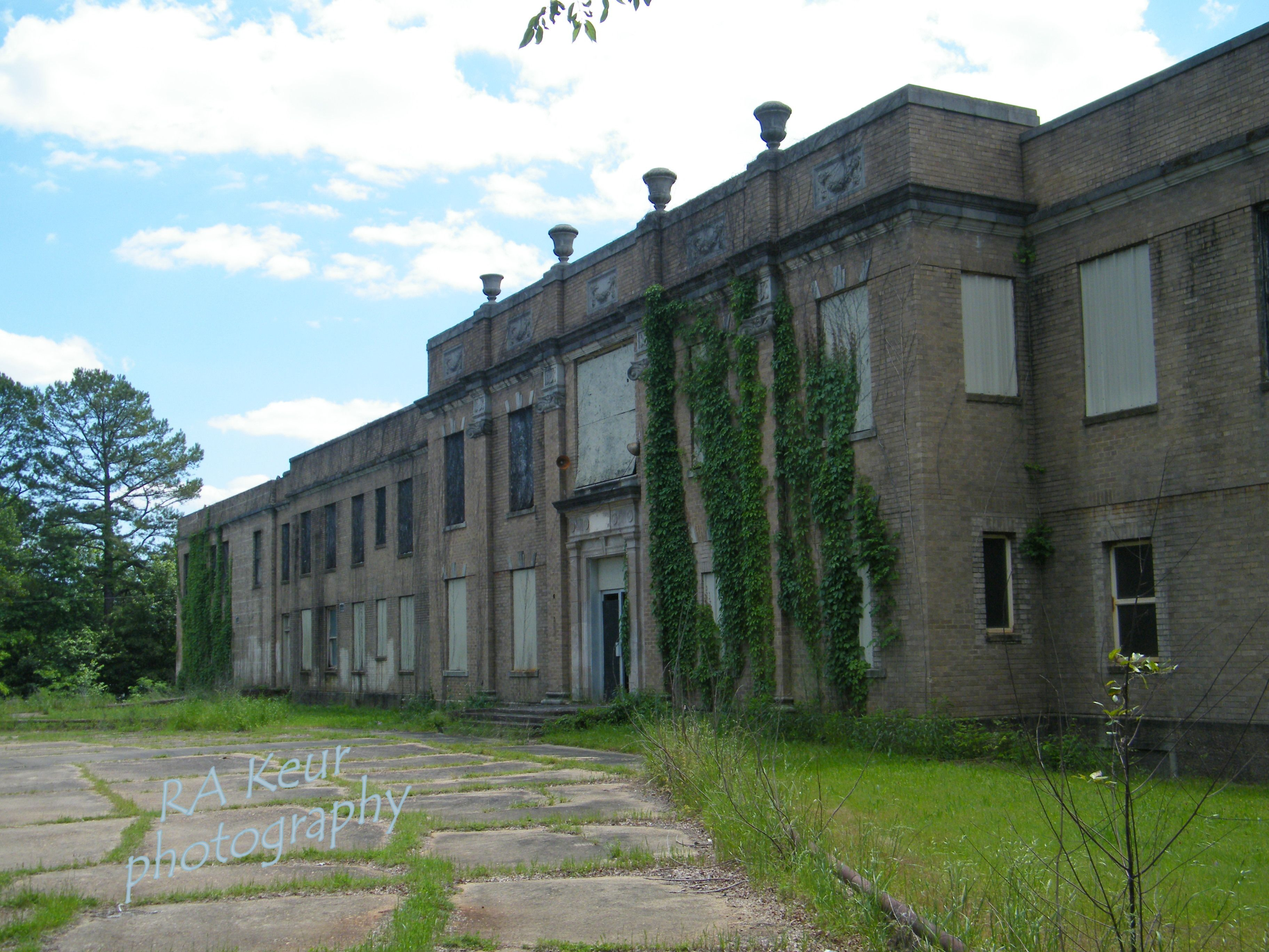 Abandoned Texas & Pacific Railroad Hospital In Marshall Tx