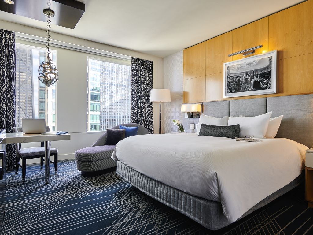 Classic Room 1 King Size Bed Floors 6 10 Luxury Hotel Room Luxury Rooms Bedroom Inspirations