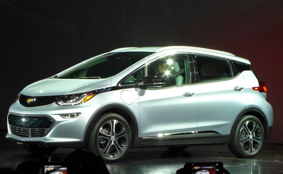 Gm Unveils An Entirely Electric Fleet For The Future 20 Cars Over