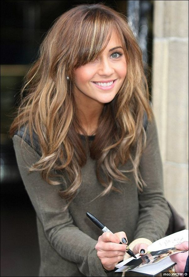 Mid Length Hair With Middle Parting Hair And Makeup Pinterest