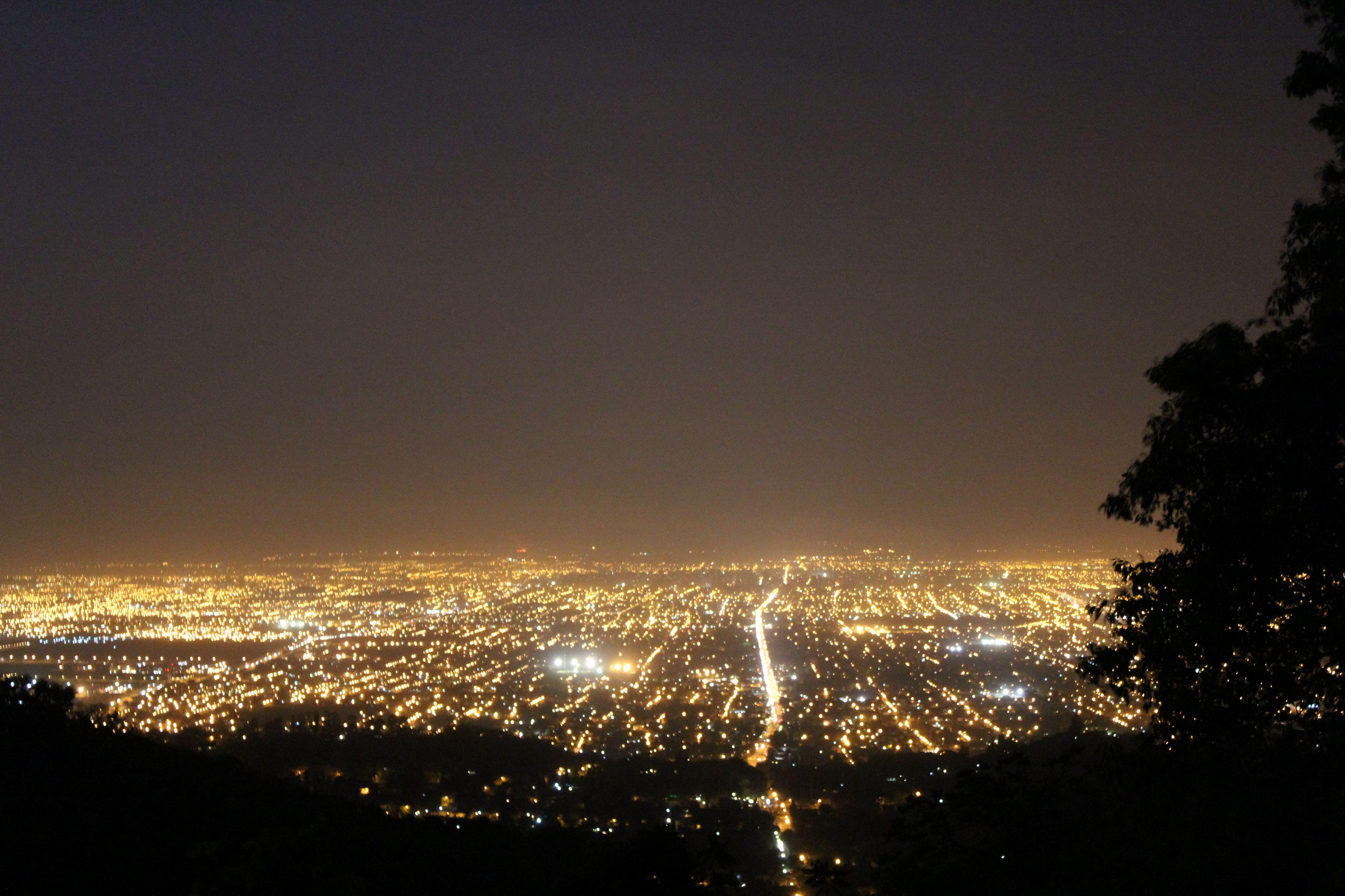 Vista Nocturna de Tucumàn, desde el cerro San Javier