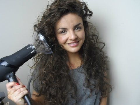 2 Ways To Get The Best Definition Without Frizz Learn How To Dry Your Hair To Get Amazing Natural Waves You Ne Dry Curly Hair Hair Diffuser Curly Hair Styles